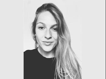 Charlotte Luijendijk - 21 - Student