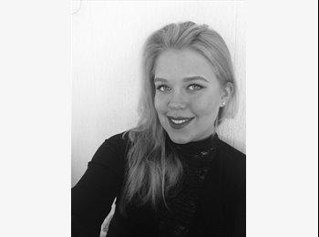 Rebecca - 19 - Student