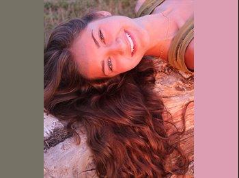 Livia - 21 - Student
