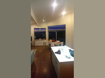 NZ - Room to rent overlooking Raglan Harbour - Raglan, Waikato - $200 pw