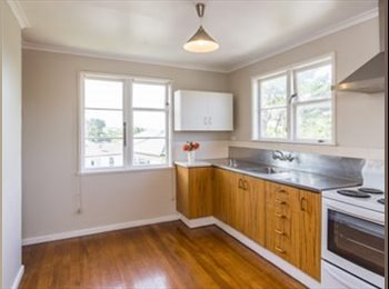 NZ - Room close to train and bus station and local shops - Johnsonville, Wellington - $150 pw