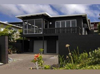 NZ - Seaviews of Rangitoto - Castor Bay, Auckland - $270 pw