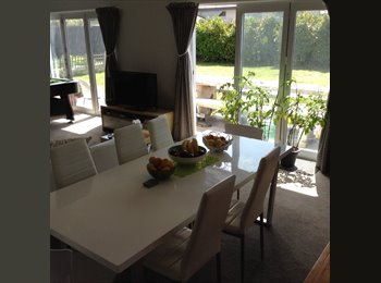 NZ - Extra large & sunny fully furnished room available - Heathcote Valley, Christchurch - $200 pw