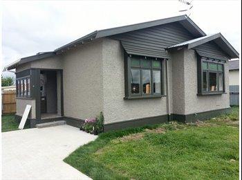 NZ - WARM HOME  - Takaro, Palmerston North - $100 pw