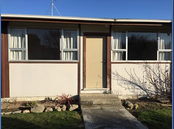 NZ - Wyndham Flat. Looking for two roommates. $90 per person - Queens Park, Invercargill - $90 pw