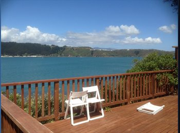 NZ - Sunny, cosy room in fabulous cliff house with views - Oriental Bay, Wellington - $180 pw