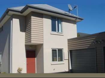 NZ - Double room available in modern two storey townhouse - St Albans, Christchurch - $200 pw
