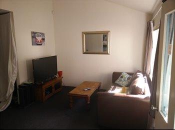 NZ - Double Room  - Lyall Bay, Wellington - $210 pw