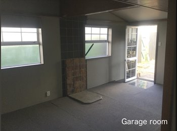NZ - Converted Garage room with ensuite - Parkvale, Tauranga - $250 pw
