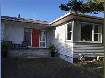NZ - Sunny Kelvin Grove home - Kelvin Grove, Palmerston North - $110 pw