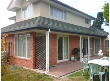 NZ - Warm, spacious room in safe, secluded two story house. - Russley, Christchurch - $155 pw