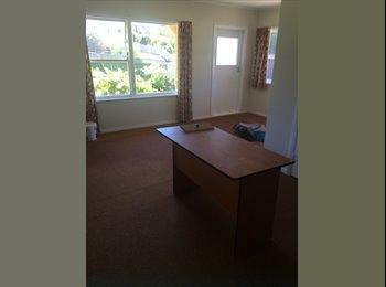 NZ - Large room - Enner Glynn, Nelson - $140 pw