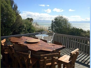 NZ - Sunny Luxury with Sea Views - Britannia Heights, Nelson - $150 pw