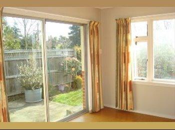 NZ - Warm, sunny flat located in Casebrook - Casebrook, Christchurch - $140 pw
