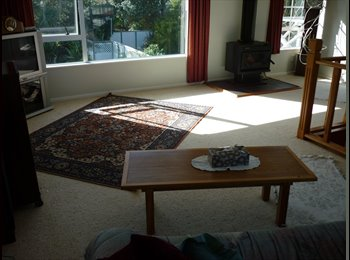 NZ - Up stairs of large home, Wanganui - $195 pw