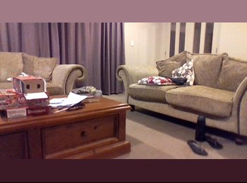 NZ - Rooms for rent - one single and one double - Aotea, Wellington - $150 pw