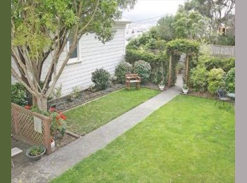 NZ - FULLY FURNISHED, Bright Double Bedroom in Mount Victoria, Wellington - $240 pw