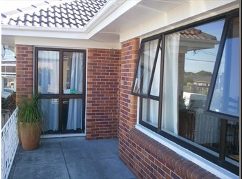 NZ - Great Room/FANTASTIC LOCATION, Auckland - $180 pw