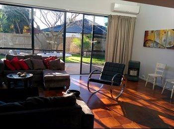 NZ - Large Comfortable & Funky House in a nice area of Papamoa., Tauranga - $140 pw