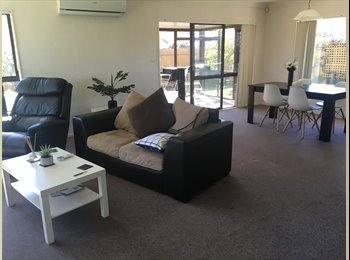 NZ - Sunny double room for rent, Papamoa - $225 pw
