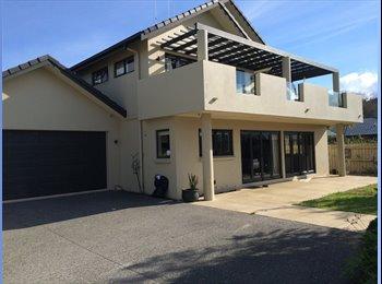 NZ - Central modern home in Bureta, Tauranga - $200 pw