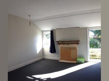 NZ - Two bedroom near town , Dunedin - $260 pw