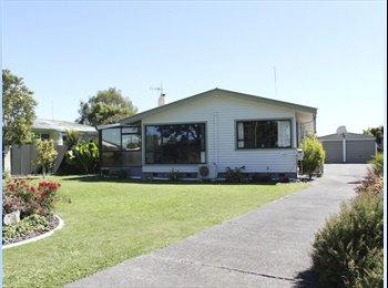 NZ - Flatmate wanted , Napier - $150 pw
