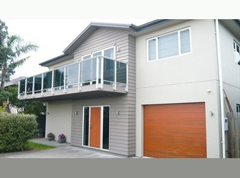 NZ - Warm, comfortable room in modern townhouse, Napier - $160 pw