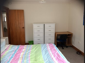 NZ - Fully furnished large double room available, Wellington - $250 pw