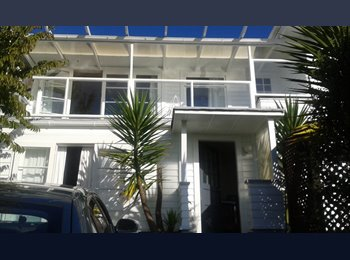 NZ - Room for rent with great views and swimming pool, Nelson - $180 pw