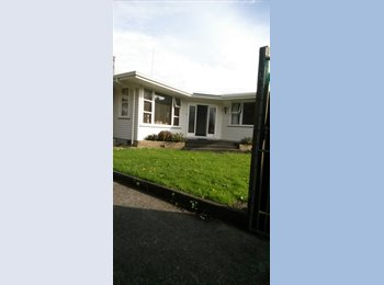 NZ - Your own space, but be able to laugh at self & with others, Palmerston North - $130 pw