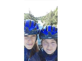 NZ - Chloé and Margot  - 0 - Wanganui