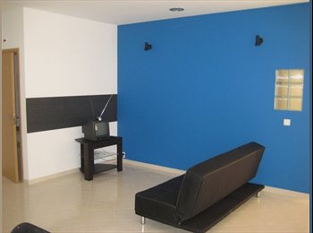 EasyQuarto PT - Alugo Quarto com wc e sala independente da casa., Faro - 867 € Por mês