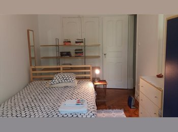 Spacious and bright bedroom in central Lisbon