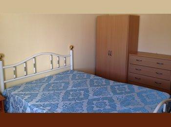 Aluga-se quarto perto de Metro de Odivelas