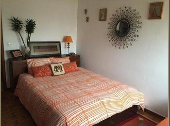 EasyQuarto PT - Grande quarto duplo com muito sol junto ao Parque das Naçoes - Sacavém, Lisboa - 350 € Por mês