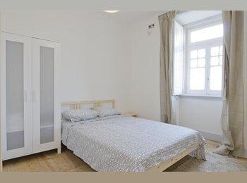 Quarto totalmente remodelado e mobilado no Centro de Lisboa