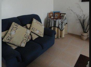 EasyQuarto PT - Excelente quarto, menina, Almeirim,junto escolas,paragem., Santarém - 200 € Por mês