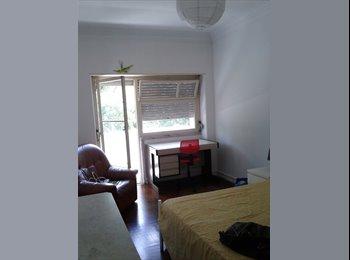 EasyQuarto PT - Aluga-se quarto no Saldanha (Rua Dona Estefãnia), Lisboa - 300 € Por mês