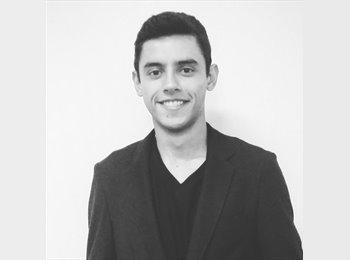 Joao Varela - 22 - Estudante