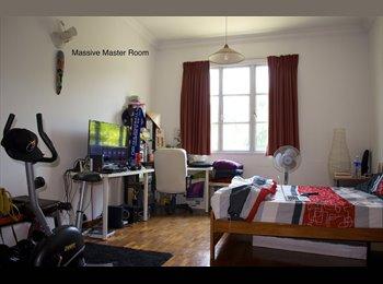 Massive Master Room- Spacious Condo-Pasir Panjang