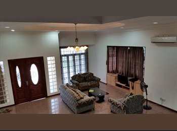 Masterroom available in big house! good offer!