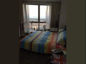Hugh Bedroom at International Plaza