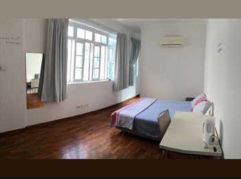 ►Beautiful Townhouse Super Big Master room -2mins to MRT
