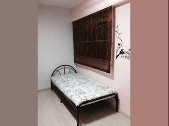 COMMON ROOM AT YISHUN MRT BLK 731 FOR RENT-AC, WIFII