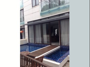 Master BedRoom with Private bath in Pasir Panjang