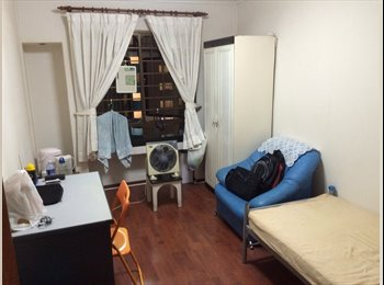 Near to Boon Lay MRT! Common room jurong west