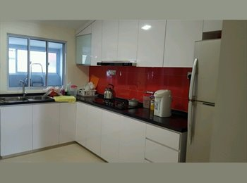 EasyRoommate SG - landed, 1 bedroom with toilet,  aircon, near mrt - Siglap, Singapore - $1,000 pcm