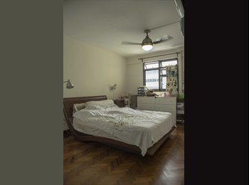 EasyRoommate SG - City central Toa Payoh MRT Common room Flat Room Share Short term 9 mths - Toa Payoh, Singapore - $850 pcm