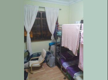Common room at 113 Rivervale walk for rent! NEAR Rivervale...